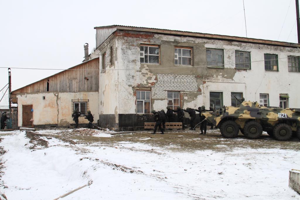 Для «освобождения заложника» измордовской колонии потребовался БТР