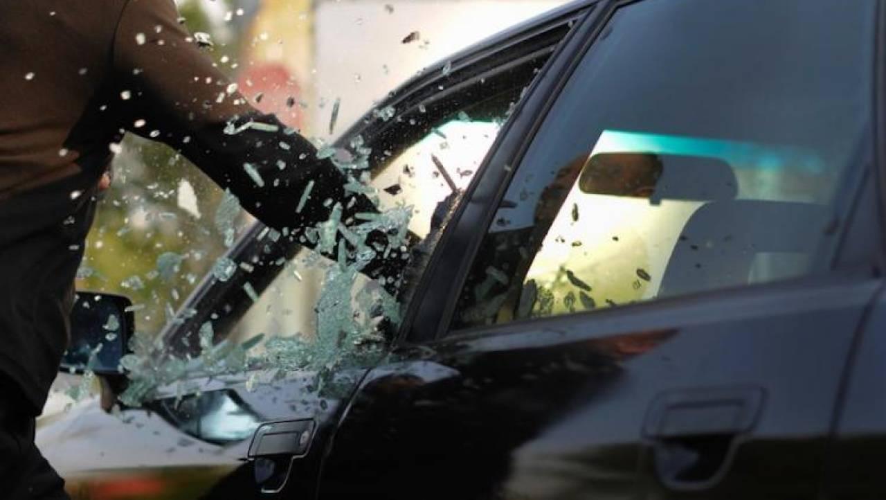 Гражданин Саранска утащил изавтомобиля приглянувшиеся чехлы