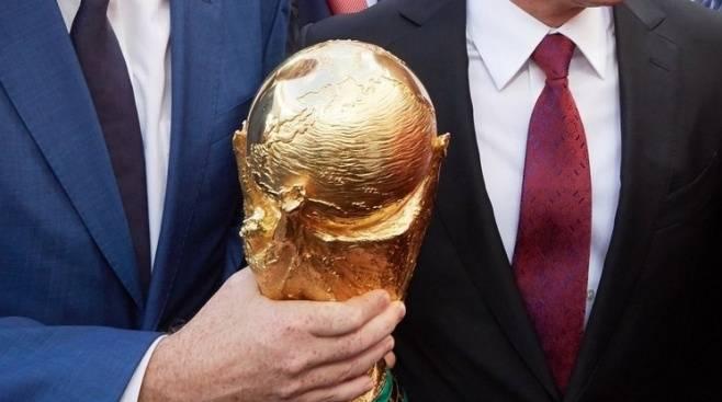 ВЧелябинск привезли Кубок мира FIFA