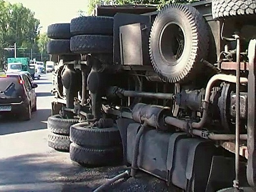 ВМордовии шофёр КамАЗа устроил массовое ДТП: 6 человек госпитализировано