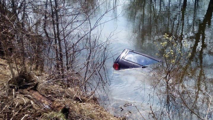 ВМордовии вседорожный автомобиль потонул вместе с собственником