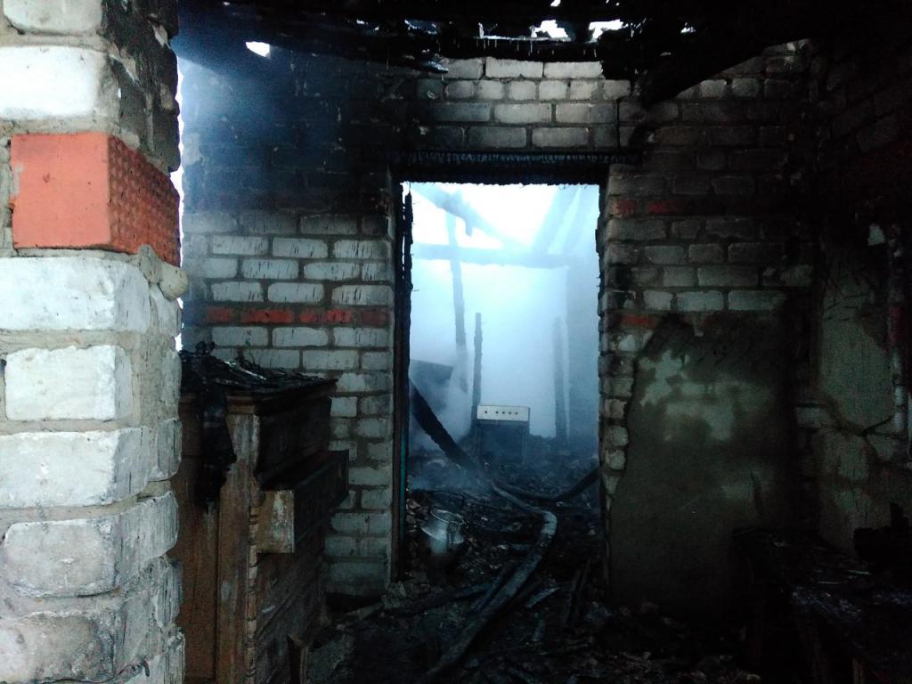 Впроцессе ночного пожара вМордовии спасли детей, однако бабушка погибла