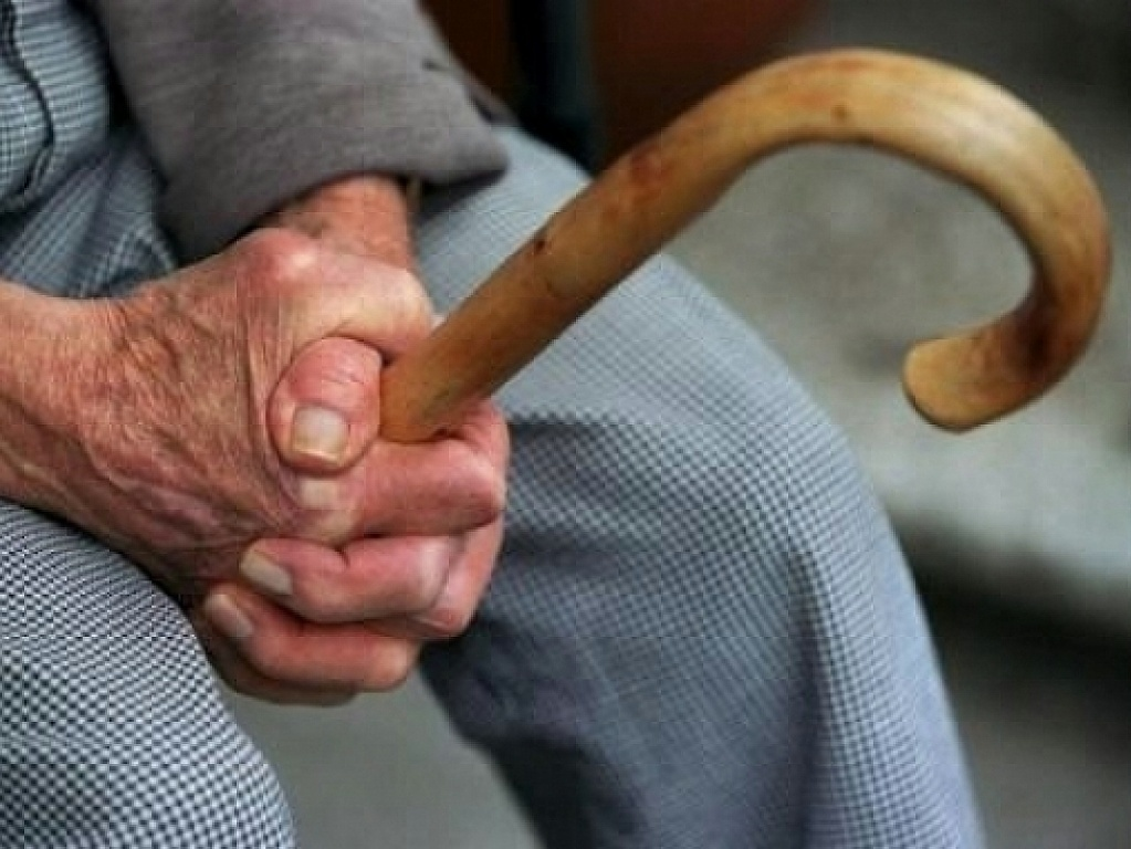 ВСаранске невежливая гостья украла у нетрезвого пенсионера практически 300 тыс. руб.