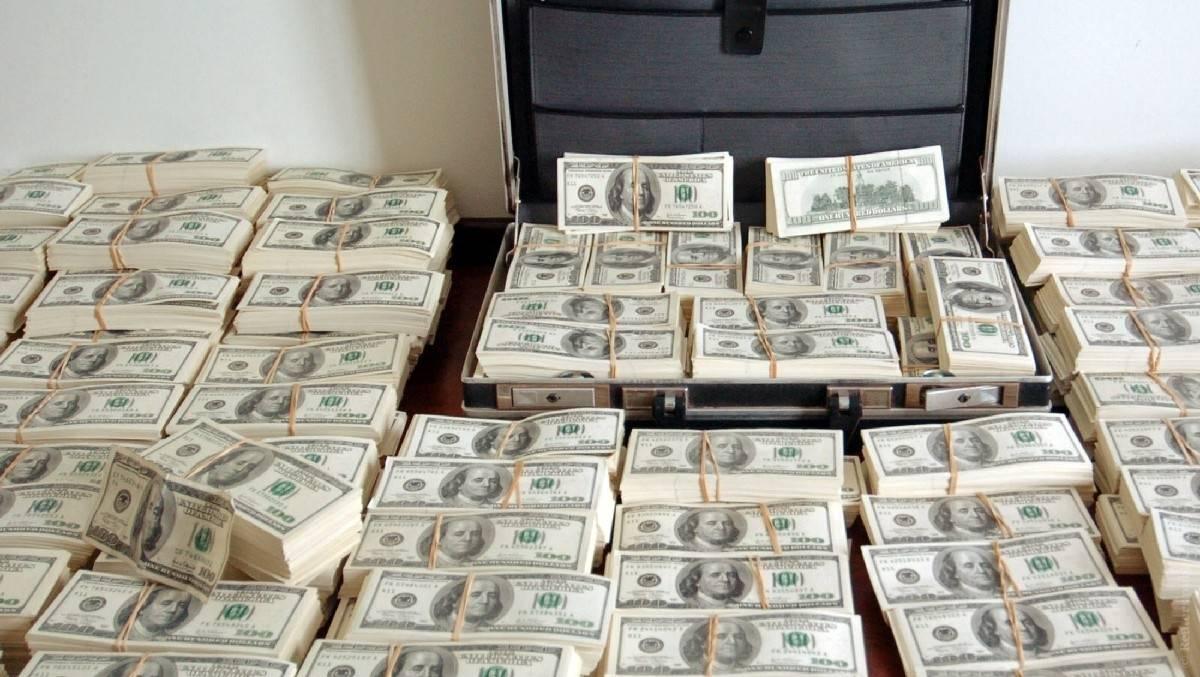 где занять большую сумму денег