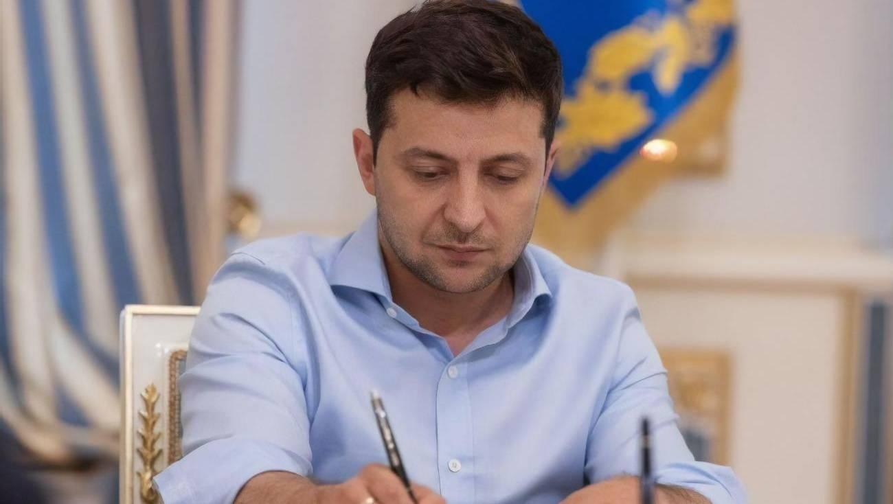 Зеленский продлил закон об особом статусе Донбасса на год