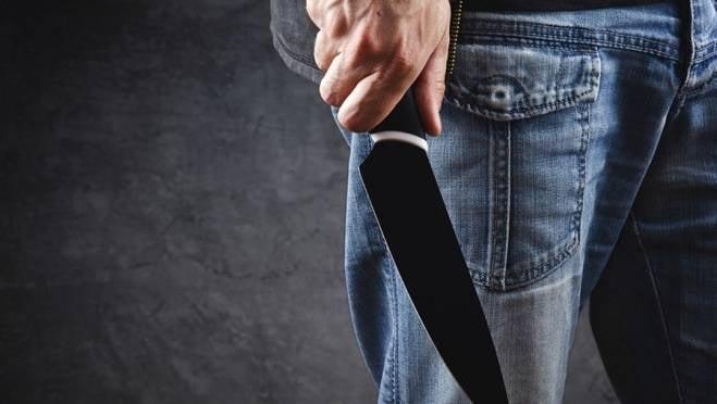 Житель Мордовии пырнул друга ножом из-за его долгих посиделок в туалете