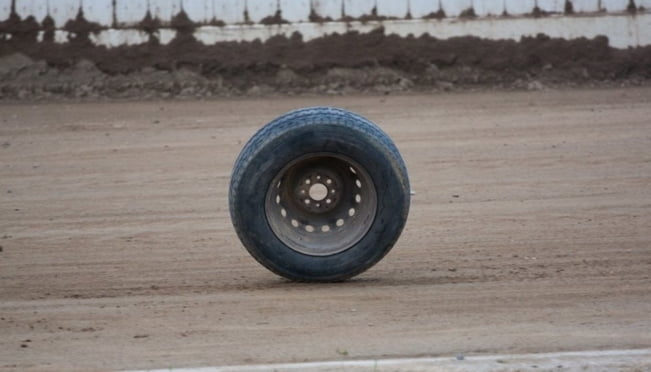 Оторвавшееся колесо спровоцировало ДТП с переворотом в Мордовии