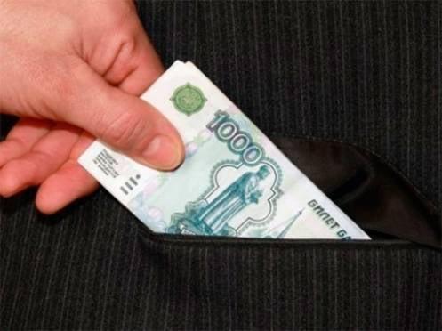 В Мордовии должник пытался спасти свое авто от ареста взяткой