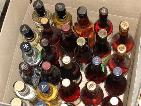 100 бутылок сомнительного алкоголя изъяли полицейские в Мордовии