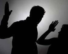 В Саранске муж избил жену за критику
