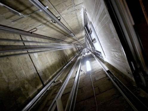 Двое жителей Саранска нашли смерть в шахте лифта под Питером
