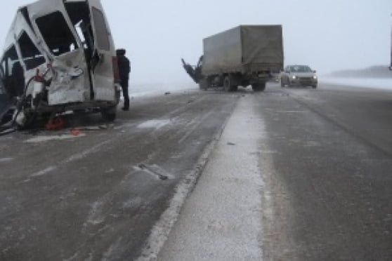 В Мордовии в ДТП разбился микроавтобус с гастарбайтерами-узбеками