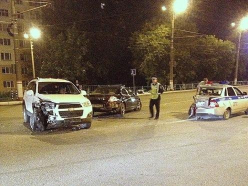 ДТП на Химмаше: полицейскому потребовалась помощь медиков