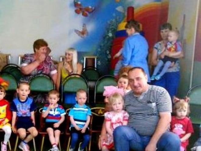 Воспитанников Большеберезниковского дома малютки порадовали кукольным спектаклем