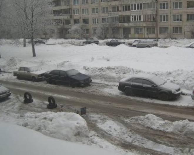 В Саранске за неправильную «зимнюю» парковку штрафуют и эвакуируют