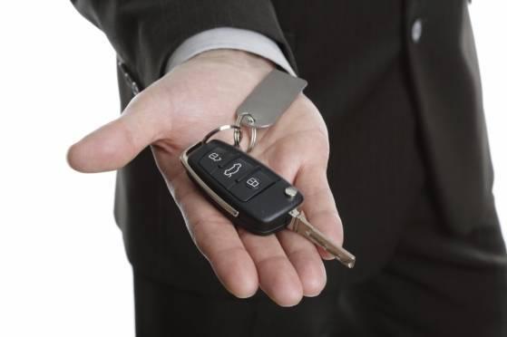 Россияне стали экономить на покупке новых авто
