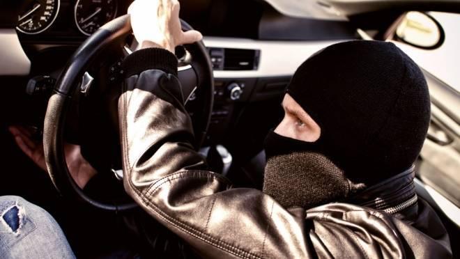 Угонщик из Рузаевки разбил машину друга об дом