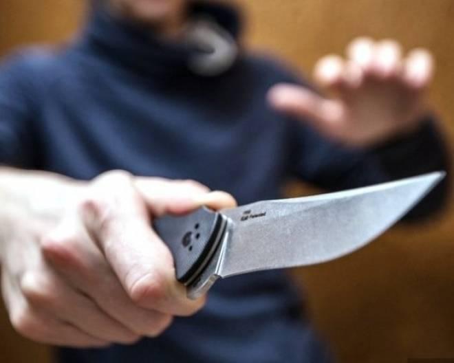 В Саранске автовладелец получил удары ножом, попросив уступить дорогу