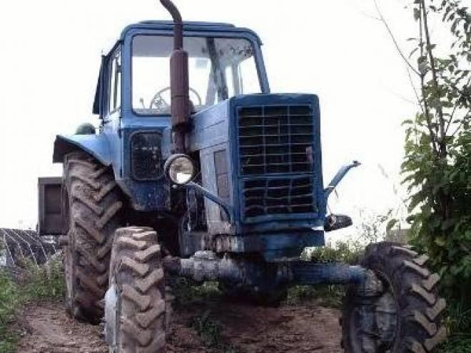 В Мордовии по вине пьяного тракториста погибли парень и девушка