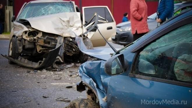 Четверо взрослых и ребенок пострадали в массовом ДТП в Саранске