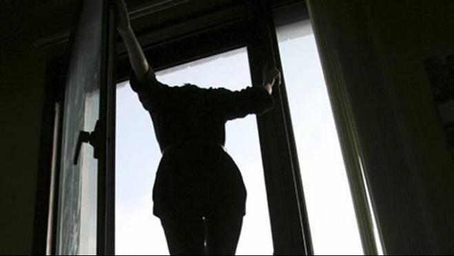 Молодая девушка в Мордовии погибла при падении с 5-го этажа