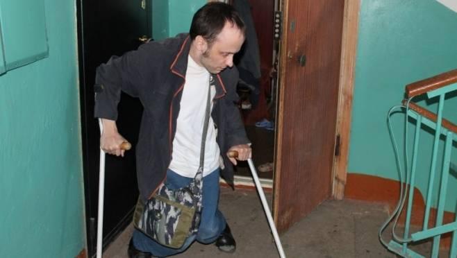 В саранской многоэтажке лифт не останавливался на этаже, где живёт инвалид