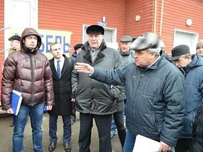 Жители «Юбилейного» пожаловались мэру на многочисленные проблемы