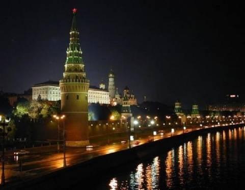 Лампы завода «Лисма» освещают Кремль и Храм Христа Спасителя