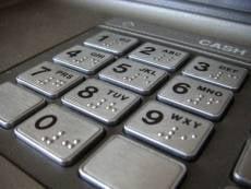 Сбербанк: ограничений на снятие наличных не вводилось