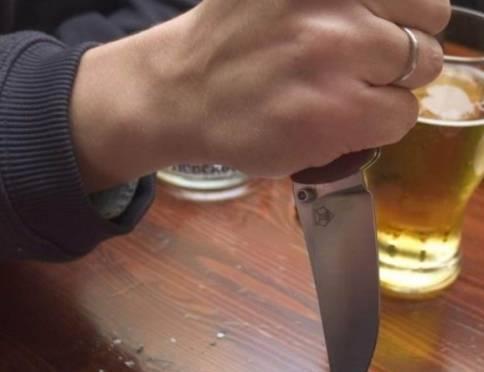 Житель Мордовии вонзил нож в грудь собутыльнику