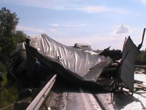 По вине жителя Мордовии в Рязанской области столкнулись грузовики и внедорожник