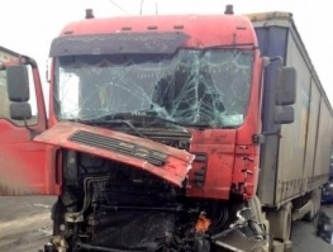 В Мордовии четыре грузовика не поделили дорогу