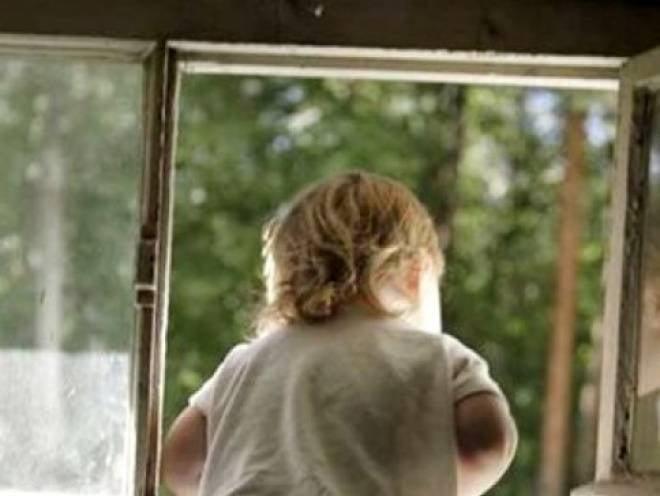 В Саранске из окна выпал годовалый ребенок