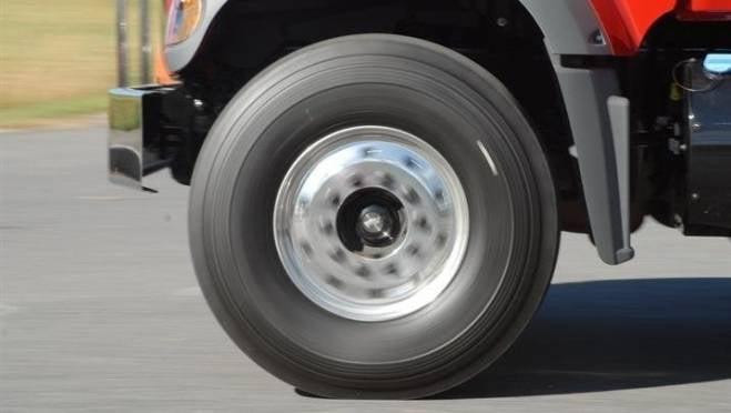 В Саранске мошенники провернули «многоходовочку» с продажей колес для большегруза