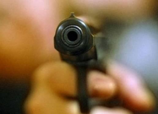 В Саранске поссорившиеся водитель и пешеход-пенсионер пустили в ход кулаки и пистолет