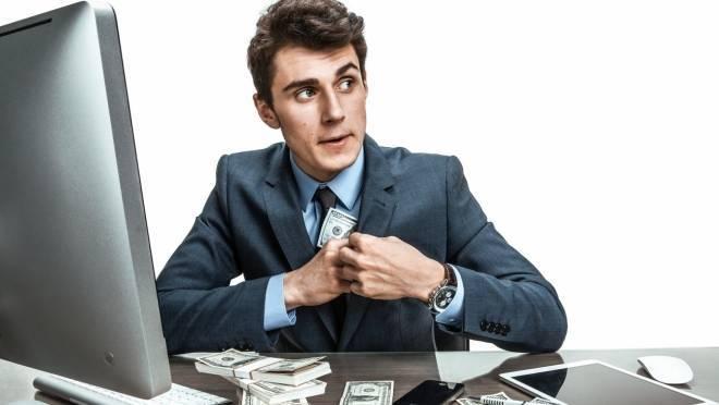 Незнакомец «развел» саранского бизнесмена на 100 тыс рублей