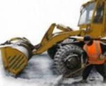 Коммунальщики Саранска портят городское имущество во время уборки снега