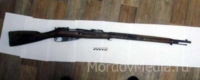 При сносе частного дома в Саранске нашли старинную винтовку