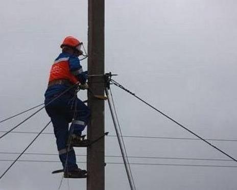 В Мордовии сильный ветер оставил без света почти шесть тысяч человек