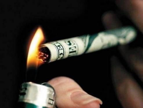 Стоимость пачки сигарет в России подскочит до 216 рублей