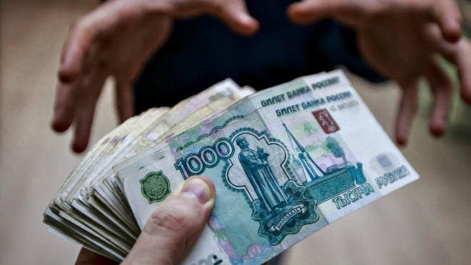 Житель Мордовии ограбил женщину средь бела дня и прокатал её деньги