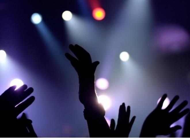 Мэр Саранска предлагает молодёжи альтернативу ночным клубам