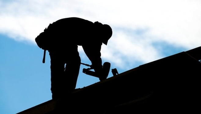 ЧП в Саранске: рабочий погиб при падении с жилой высотки