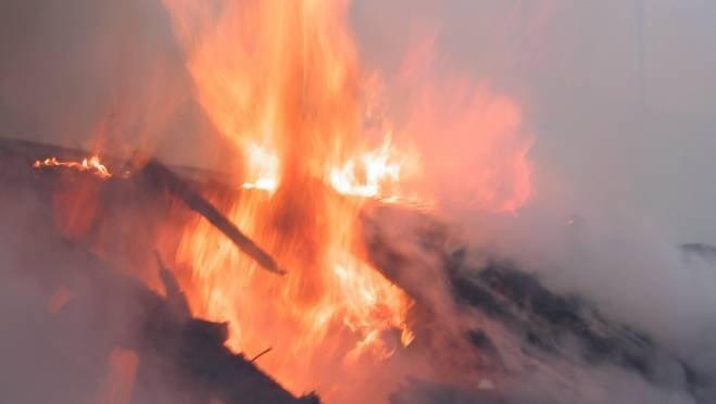 Пожар оставил без крыши жителей двухквартирного дома в Саранске