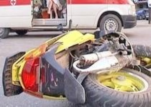 В Мордовии мужчина на скутере врезался в КАМАЗ и погиб