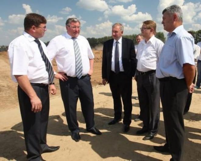 Глава Мордовии ознакомился с ходом строительства свинокомплекса-стотысячника