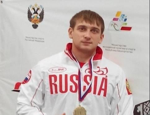 Спортсмен из Мордовии потягает мировое железо