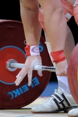 Финальные соревнования по тяжелой атлетике постер