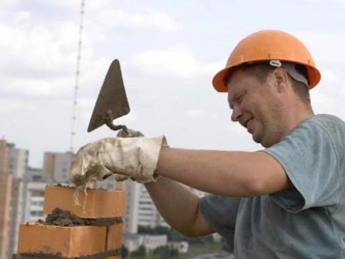 Крупнейшим строительным корпорациям Мордовии нужны рабочие руки