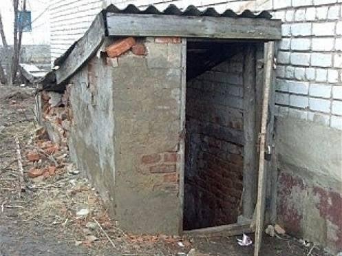 В Рузаевке двух человек спасли из горящего подвала